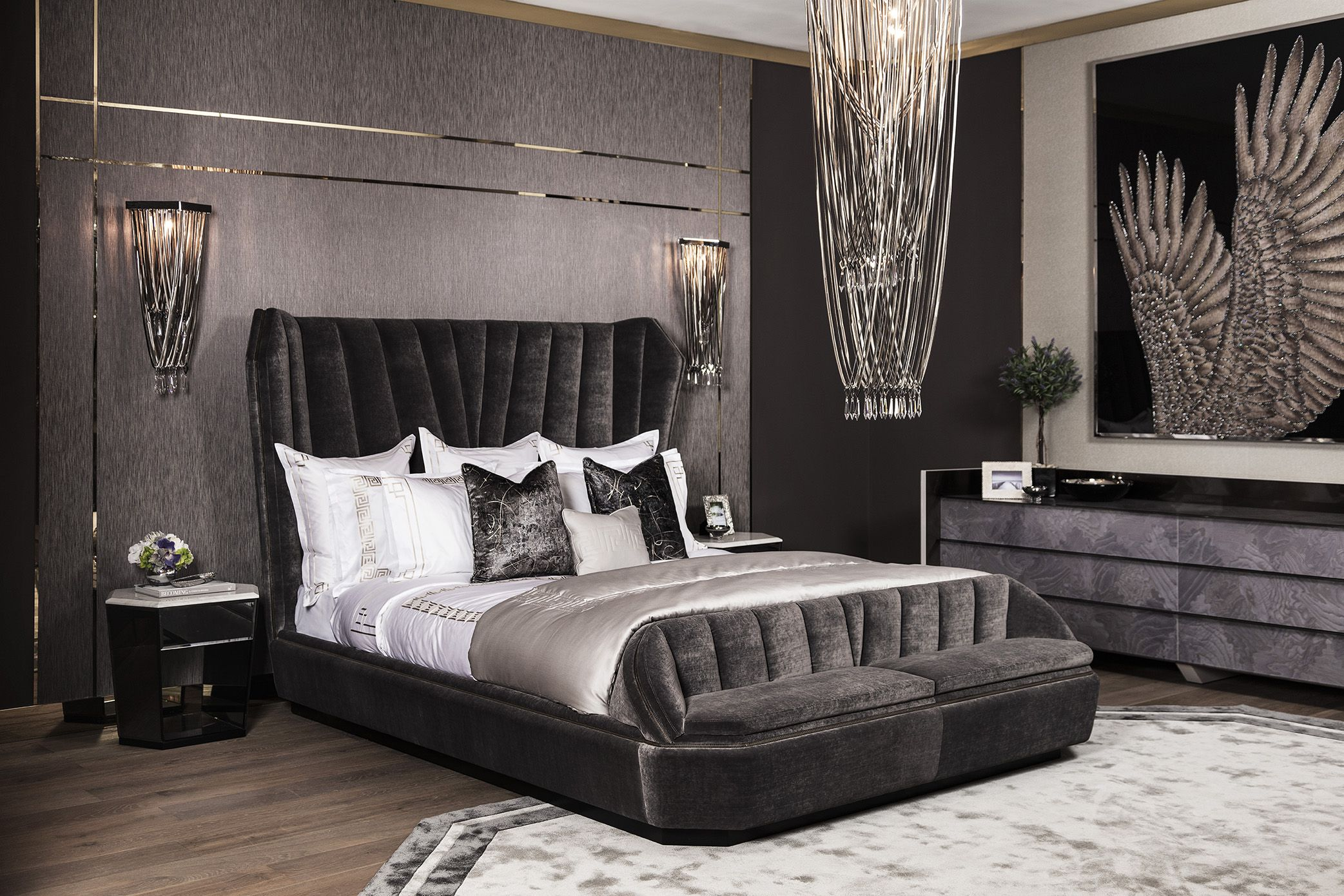 Hemingway Bed With Its Dramatic And Grand Silhouette The Hemingway By Visionnaire Perfectly Showcases The Furniture Sofa And Chair Company Headboards For Beds