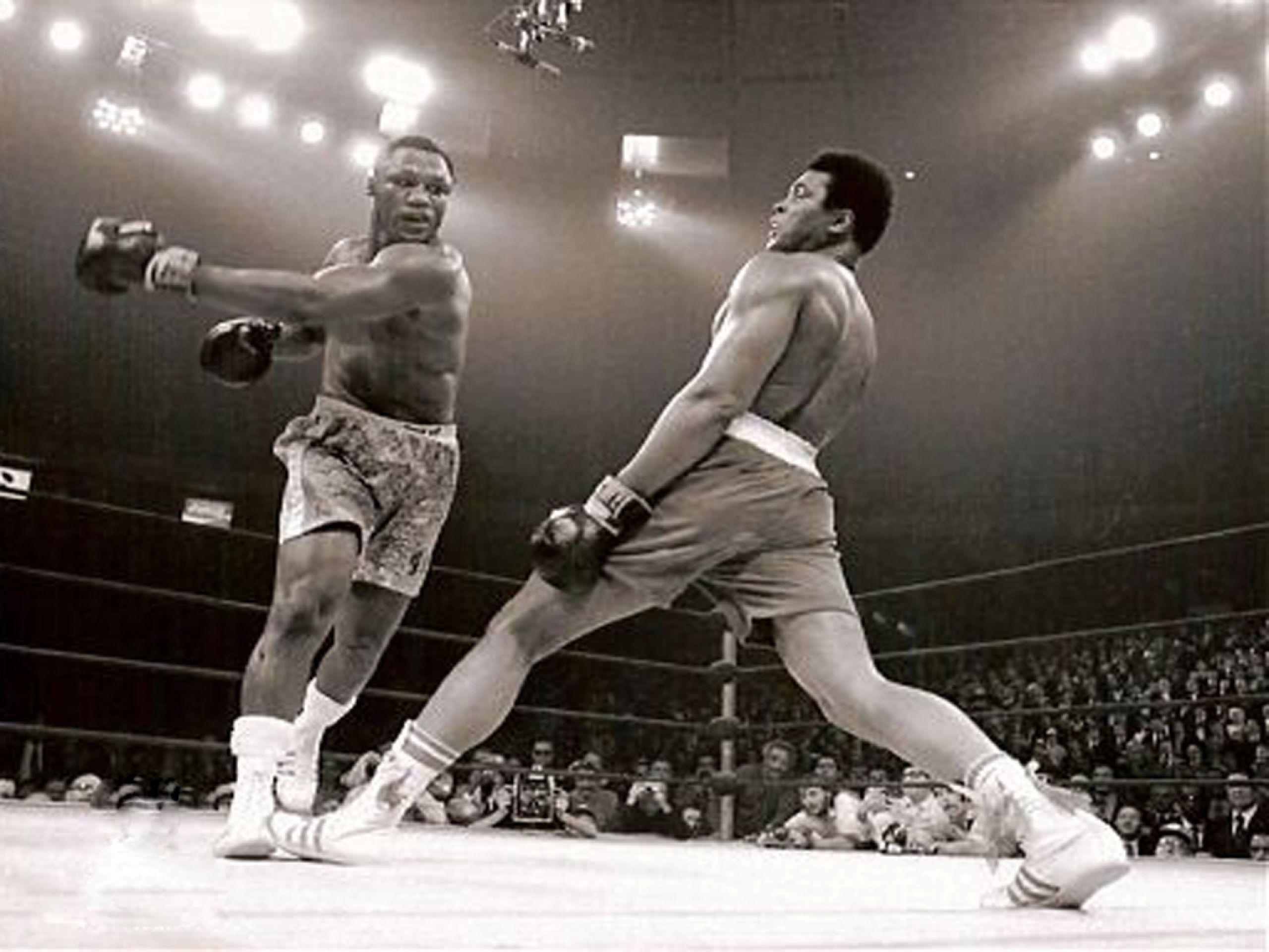George Foreman vs Muhammad Ali, storico incontro che vide vincitore Ali dopo 8 round.