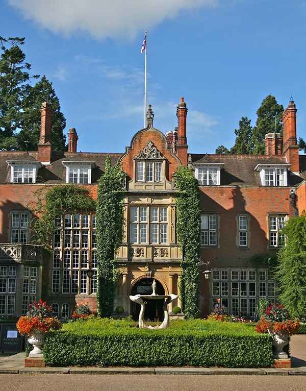 Downton Abbey With A Spa Organic Spa Magazine Manor House Hotel Country Manor House Downton Abbey