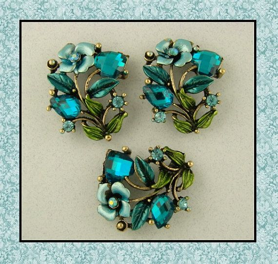 2 Hole Slider Beads/Buttons QTY 3 Aqua Blue by periwinklebluegap, $5.95