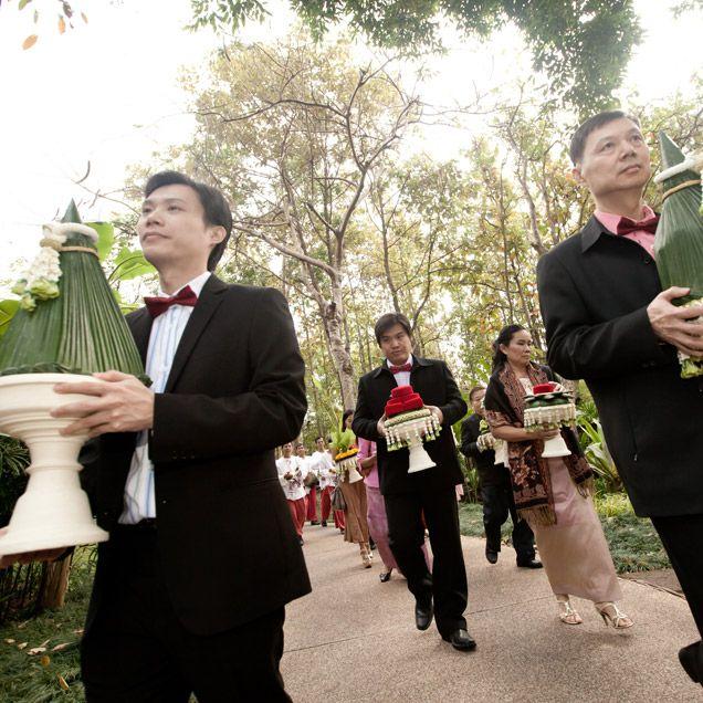 Thai Wedding Gifts: Thai Wedding In Chiang Mai