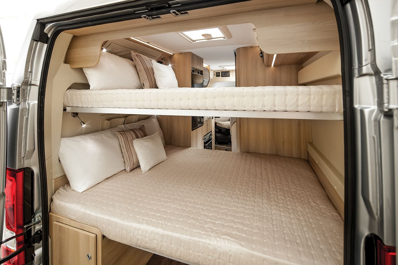 Tribute 669 campervan with 2x double bunk beds pinteres for Rv loft bed