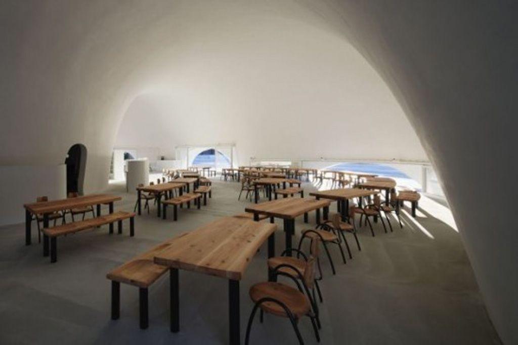 simple restaurant interior decor