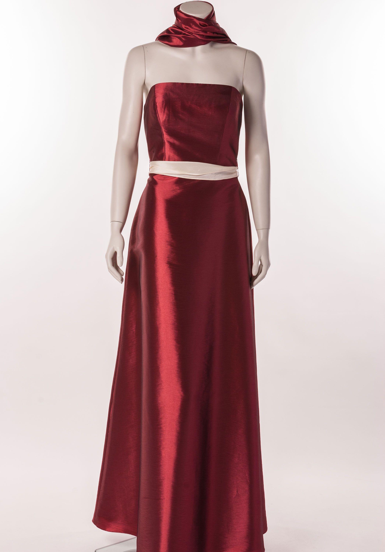 Dunkelrotes Abendkleid von Venus Bridal Schlichtes, bodenlanges ...