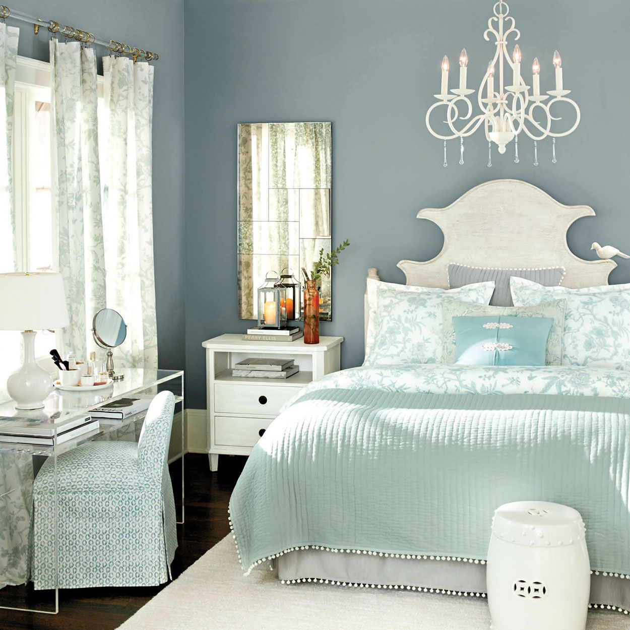 Bedroom Decorating Ideas Totally Toile: Bedroom Decorating Ideas (With Images)