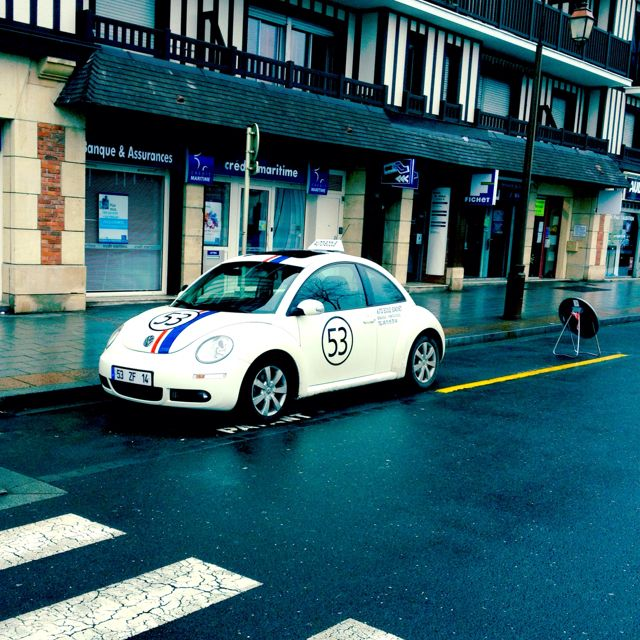 Seen on a pier of Deauville in Normandy : driving school are cool now !