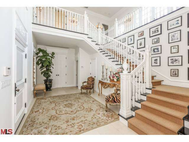 3130 Antelo Rd Los Angeles Ca 90077 6 Beds 9 Baths House Celebrity Houses Hamptons Style Homes