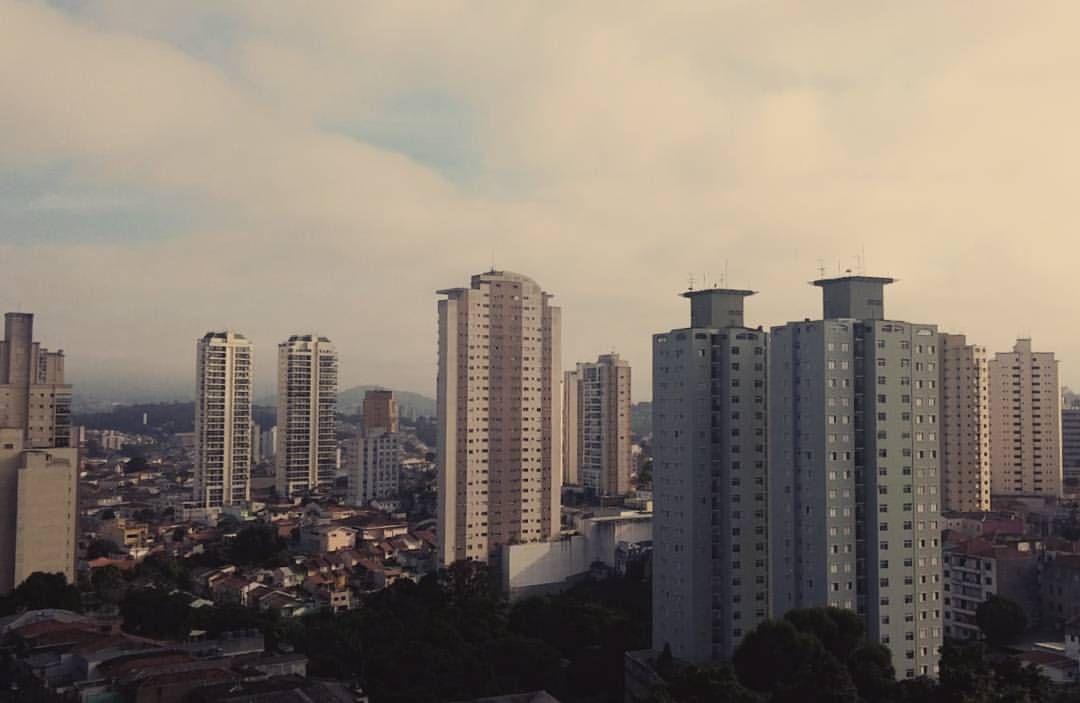 São Paulo cityscape from Santana, Brazil (Vista de São Paulo em Santana).