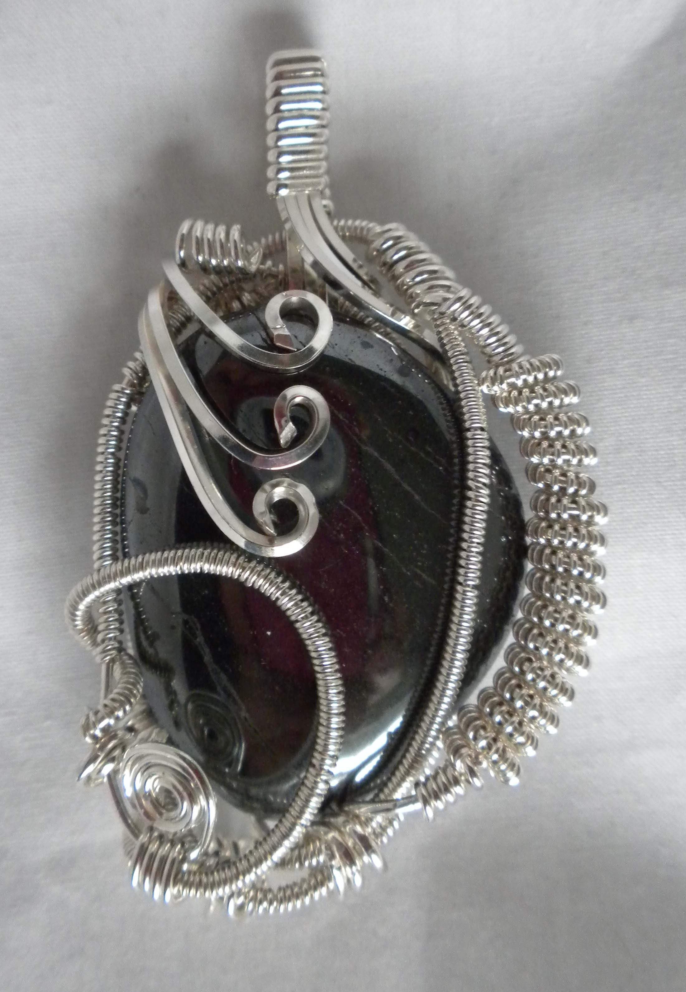 Wire wrapping stones, a great technique