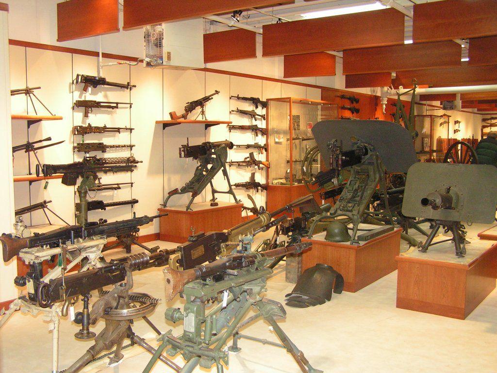 Gun room amp trophy room done hunting - Gun Room Mnguntalk Com View Topic Charleton Hestons Gun Room