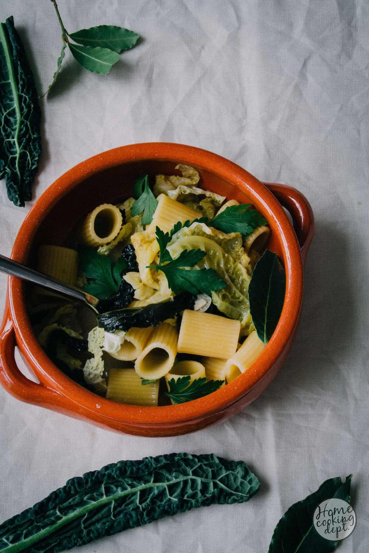 kale recipe / Parmezaanse kaas bouillon en boerenkool, pasta soep / Fotografie: Homecooking dept.