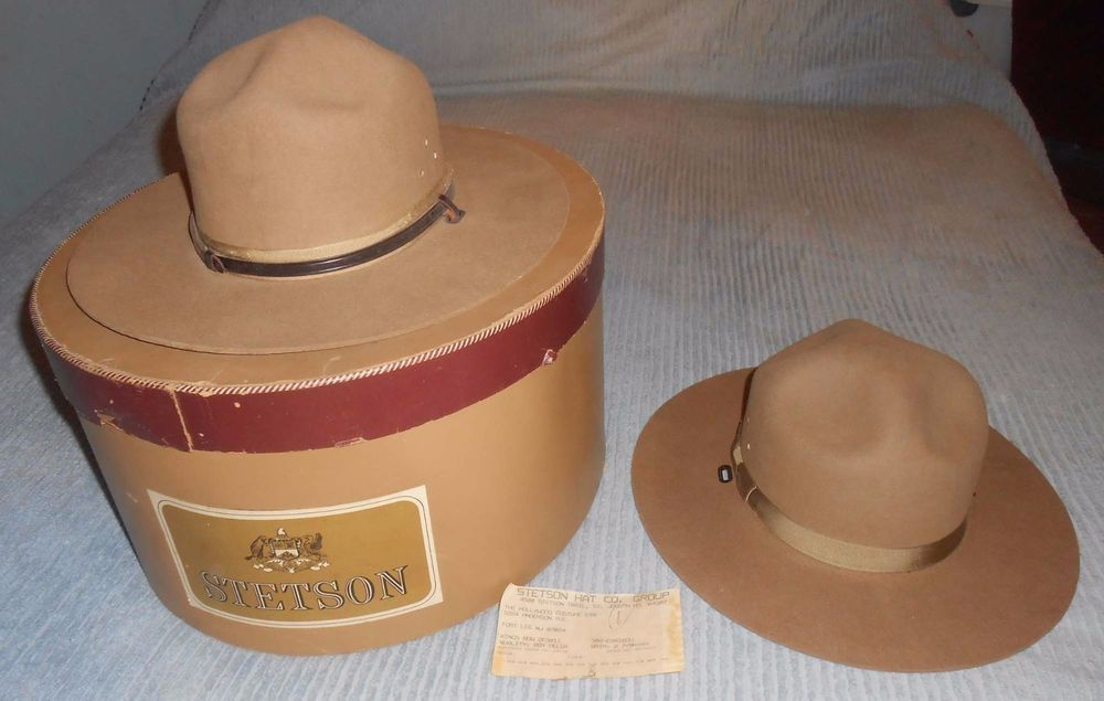 8ba30f36dbdeb Pair of 1980 s Stetson Royal Deluxe Caribou Kings Row Hats-In Box-Size 7    7-3 8