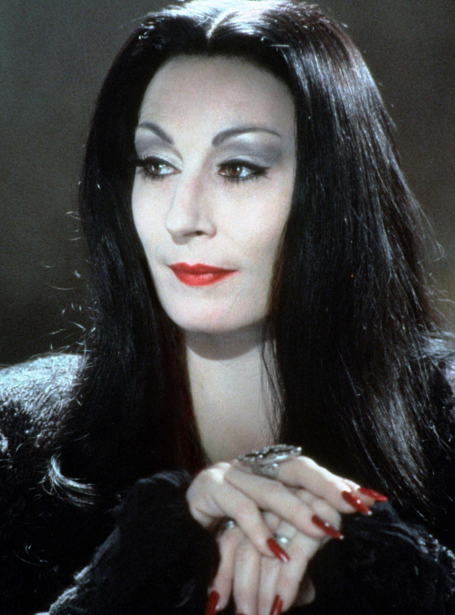 Addams Family Frau