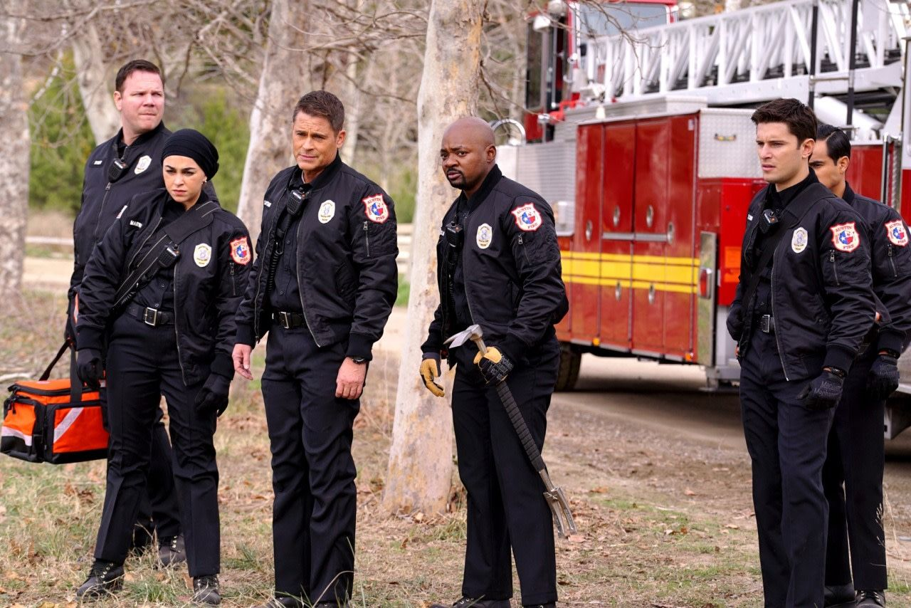 """'911 Lone Star' 1x06 Review """"Friends Like These"""