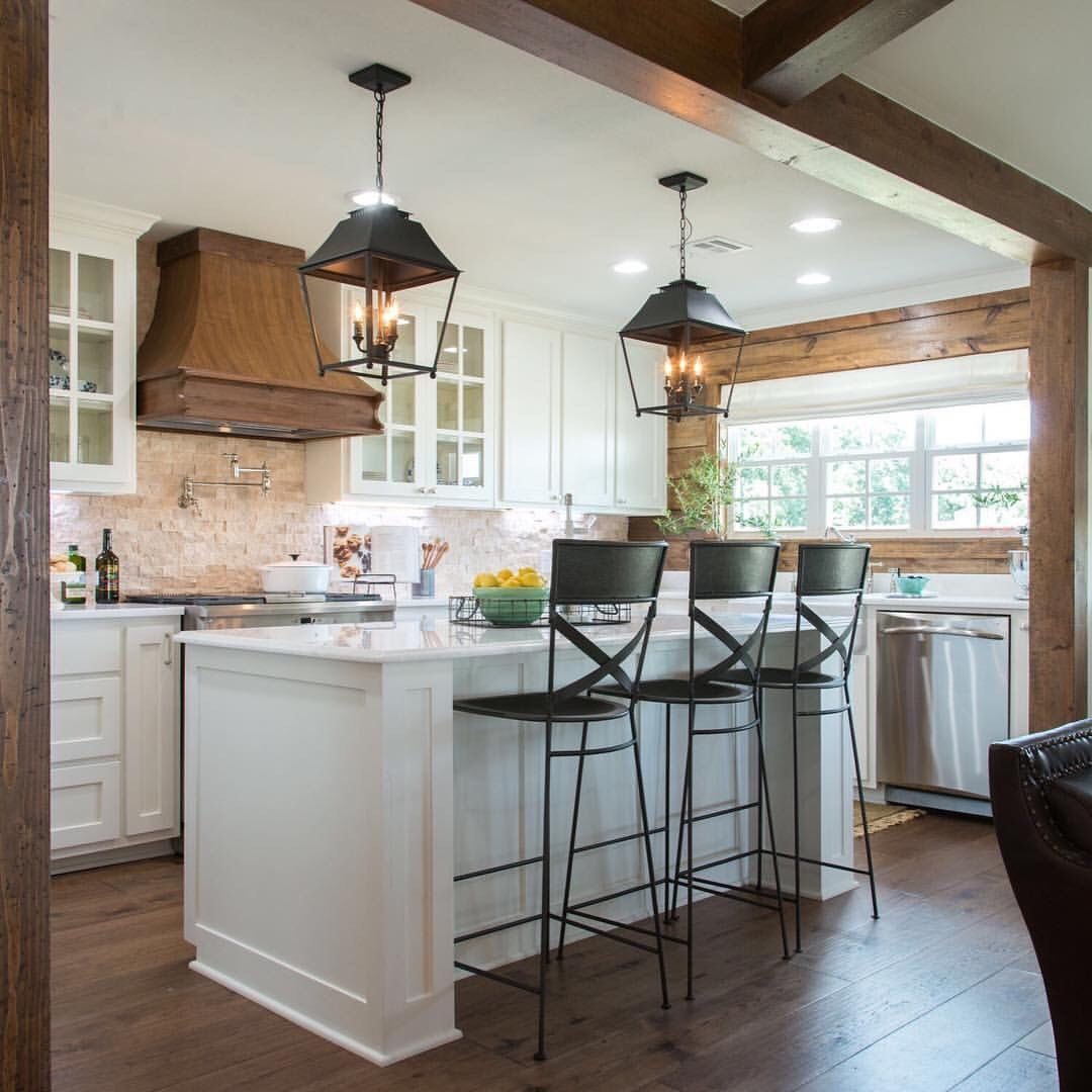 Designs By Joanna Gaines Of Hgtv Quot Fixer Upper Quot Amp Owner Of Magnolia M Farmhouse Dining Room Lighting Modern Farmhouse Kitchens Fixer Upper Kitchen