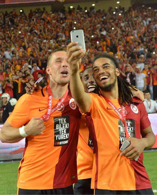 Galatasaray Sk Galatasaraysk Jason Denayer Lukas Podolski Sports