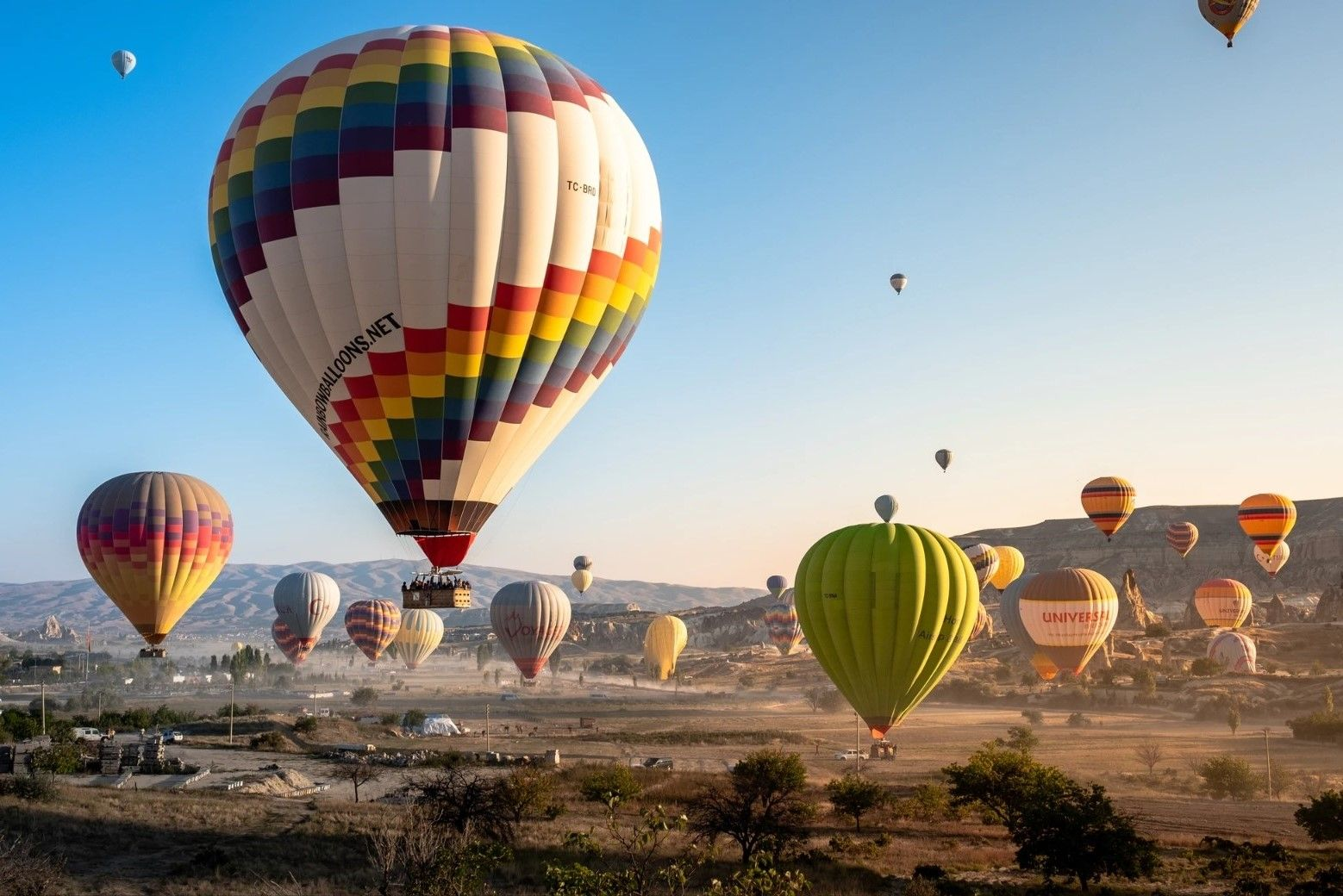Balloons at Göreme, Nevşehir (Cappadocia), Turkey