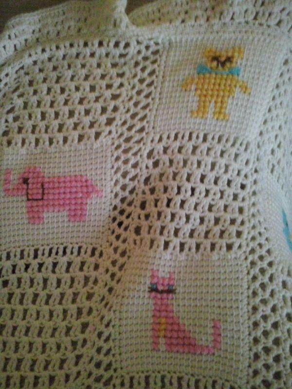Cobijita de bebé amiga de Ch. | Crochet | Pinterest | Cobija, Amigos ...