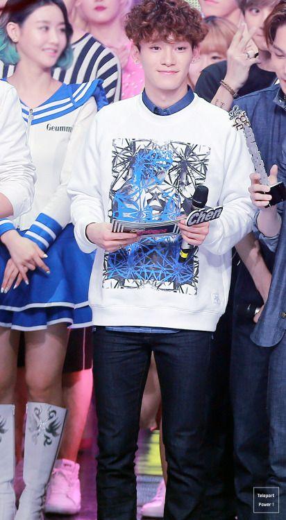 Chen - 150411 MBC Show! Music Core Credit: Teleport Power. (MBC 쇼! 음악중심)