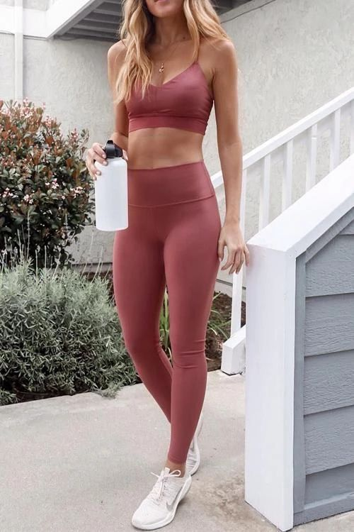 need new workout clothes? check out my post on the best Lululemon dupes on amazon! stop overpaying on leggings! workout and look good while doing it! #amazon #lululemon #dupes #amazonprime #athletic #workoutgear #workout