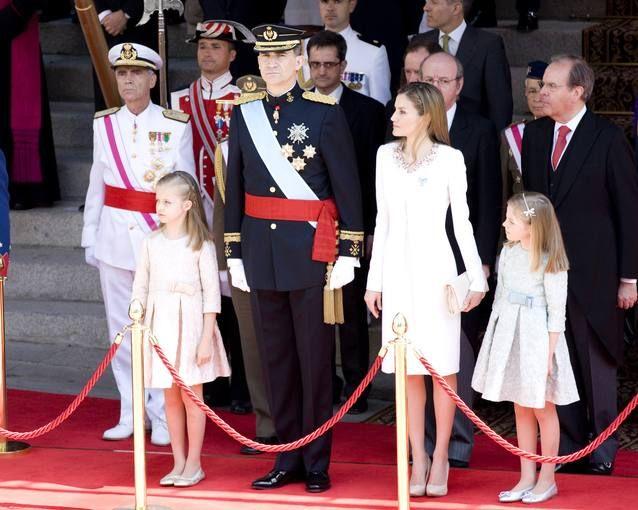 El 19 de junio se cumple un año del reinado de don Felipe y doña Letizia. RTVE dedicará varios espacios durante la semana a...