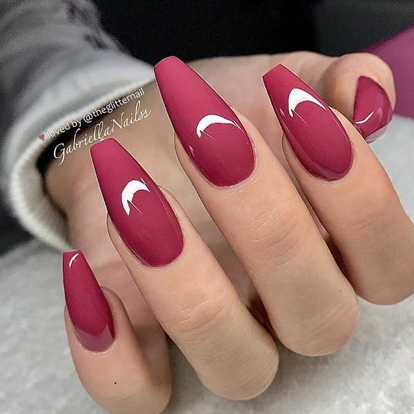 """TheGlitterNail on Instagram: """"🍷🍁🍂 Berry-Red on long Coffin Nails 👌 • 💅 Nail Artist: @gabriellanailss 💝 Follow her for more gorgeous nail art designs! • 👉 Turn on post…"""""""