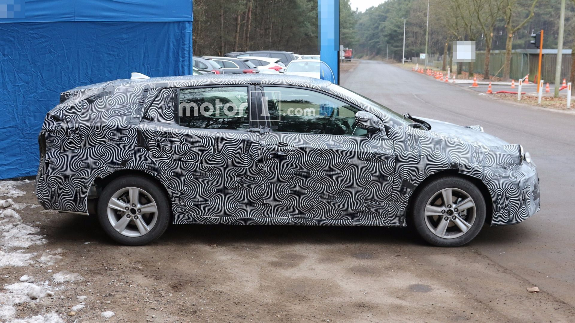 2020 New Toyota Avensis Spy Shots Price and Release date