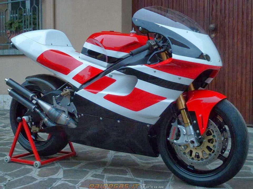 "dcspeed: ""daidegas: ""Yamaha YZR 500 REPLICA, RZ500 engine, http://www.daidegasforum.com/forum/foto-video/582463-le-500-2t-speciali-replica.html "" Omfg """