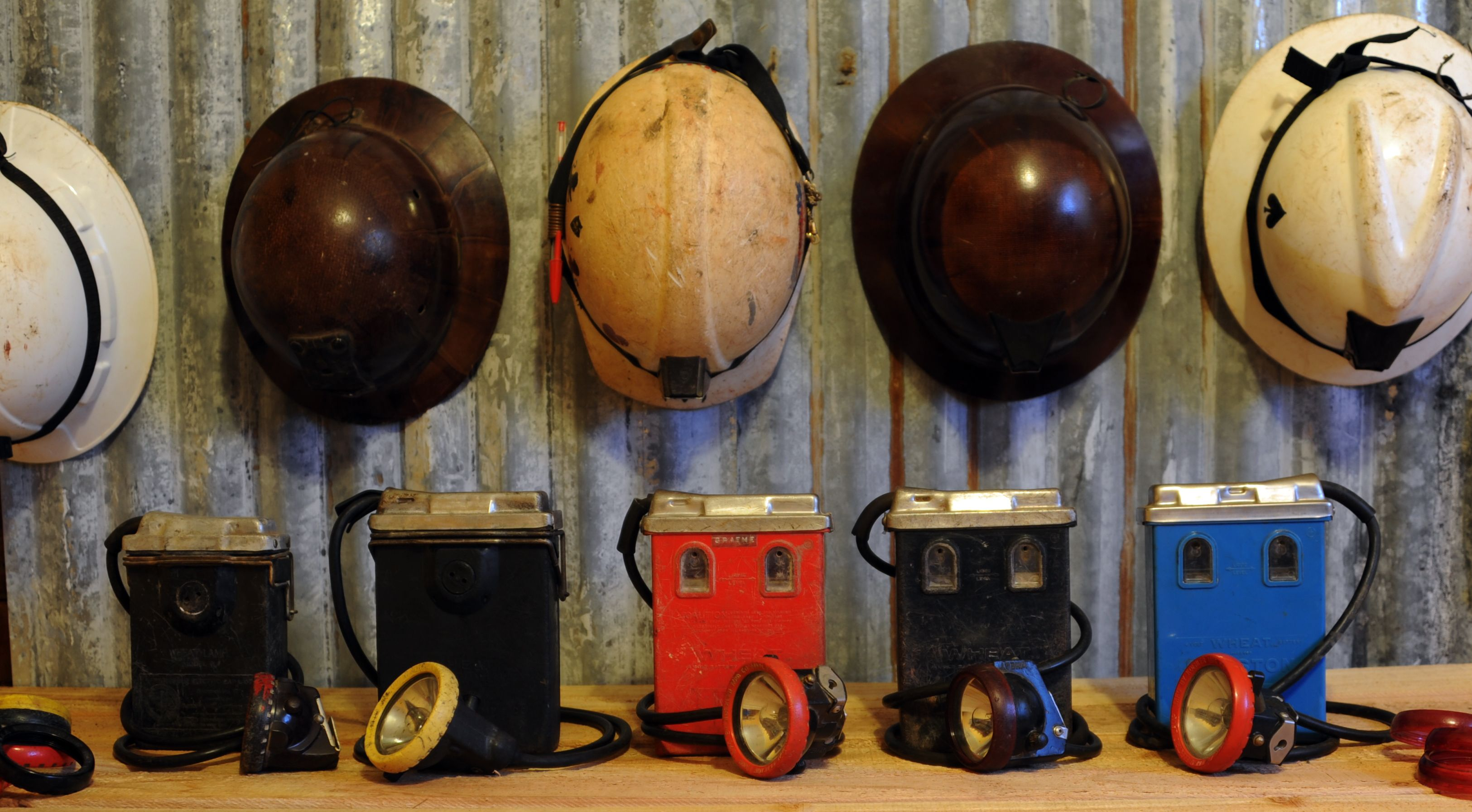 Various Types Of Wheat Lamps From Left To Right Model Q Model W Markii Mark V And A Markii With A Blue Battery Ma Mining Equipment Bisbee Different Styles