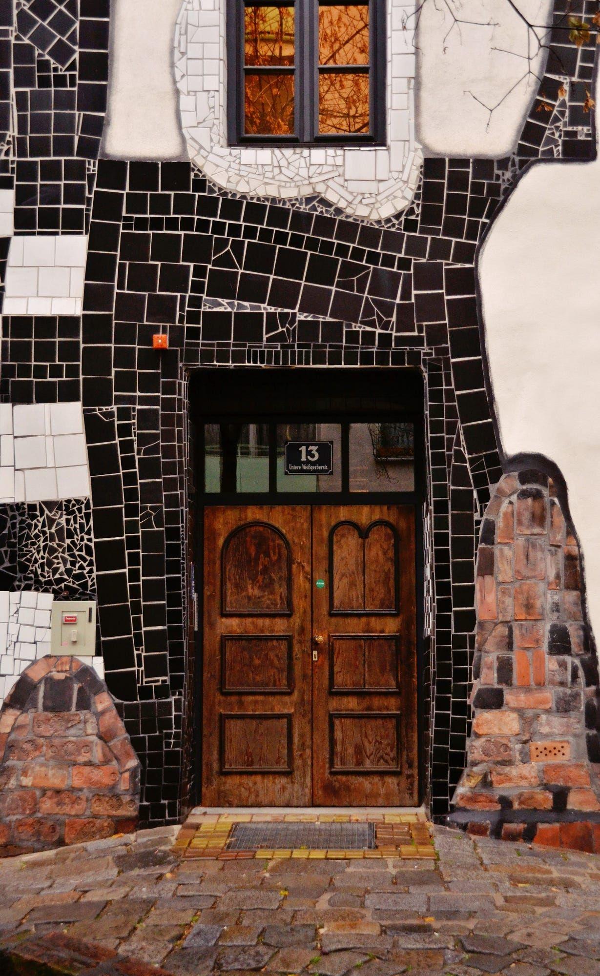 Wien Hundertwasserhaus Doors And Gates In 2018 Pinterest