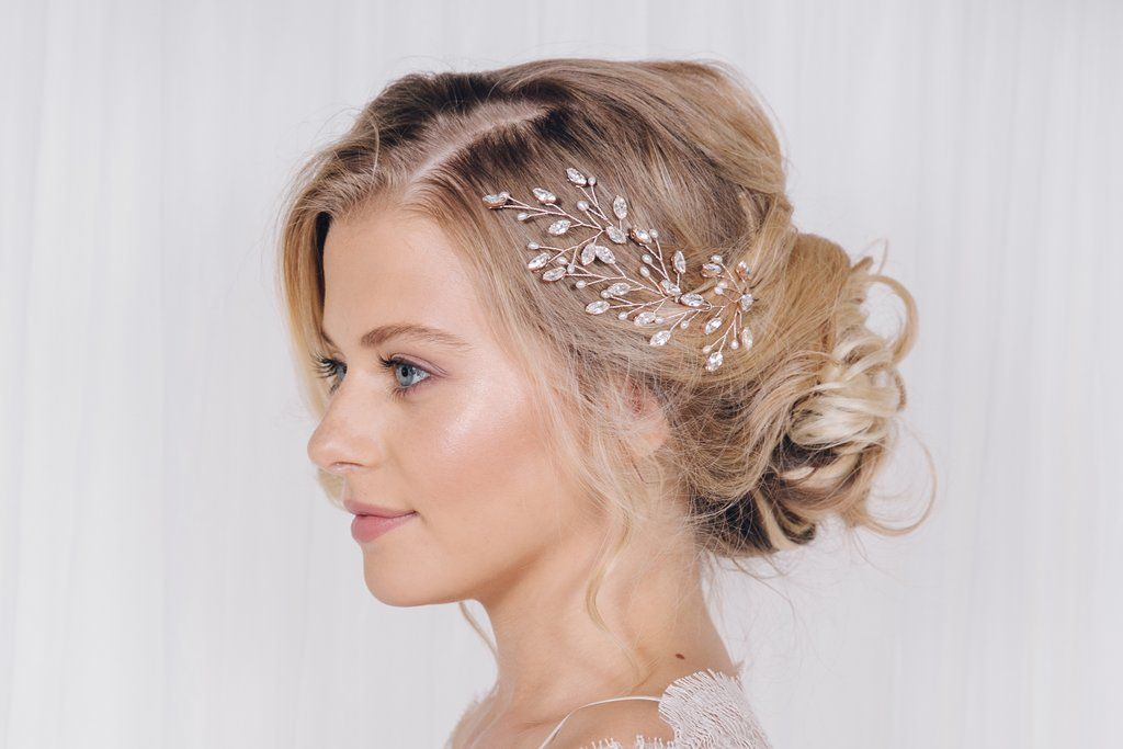 How to use wedding hairpins to create different looks for your wedding day...