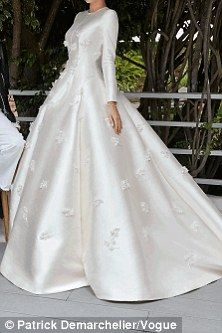 Miranda Kerr Wedding Dress.Miranda Kerr S Grace Kelly Inspired Dior Wedding Gown Bruidsjurken