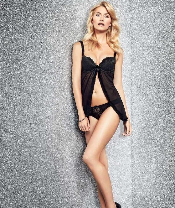 lena gercke in sexy weihnachts dessous lena gercke lena. Black Bedroom Furniture Sets. Home Design Ideas