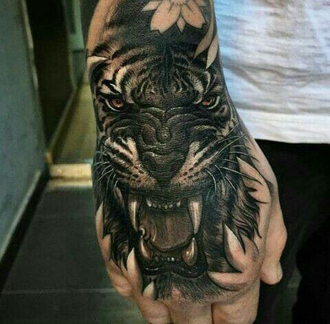 Pin De Steve Baillet Em Ideas Tattoo Tatuagem No Dedo Tatuagem Na Mao Tatuagem De Mao