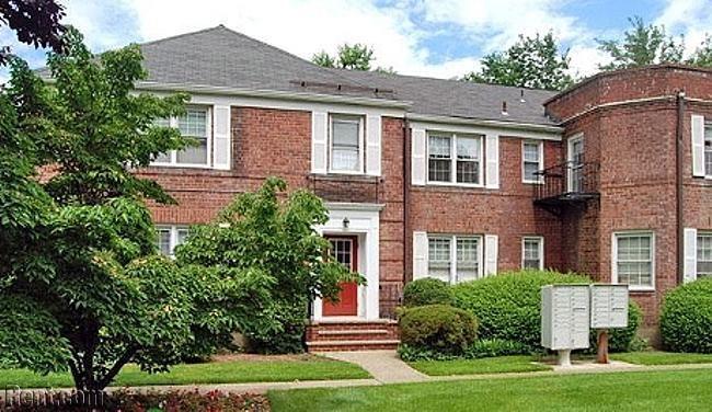Mayflower Apartments 335 East Ridgewood Avenue Ridgewood Nj 07450 Rent Com Ridgewood Apartment Apartments For Rent