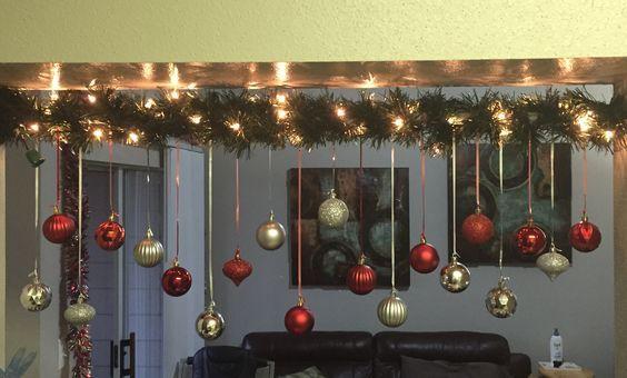 Aprende a decorar tus escaleras para la navidad con estas hermosas..