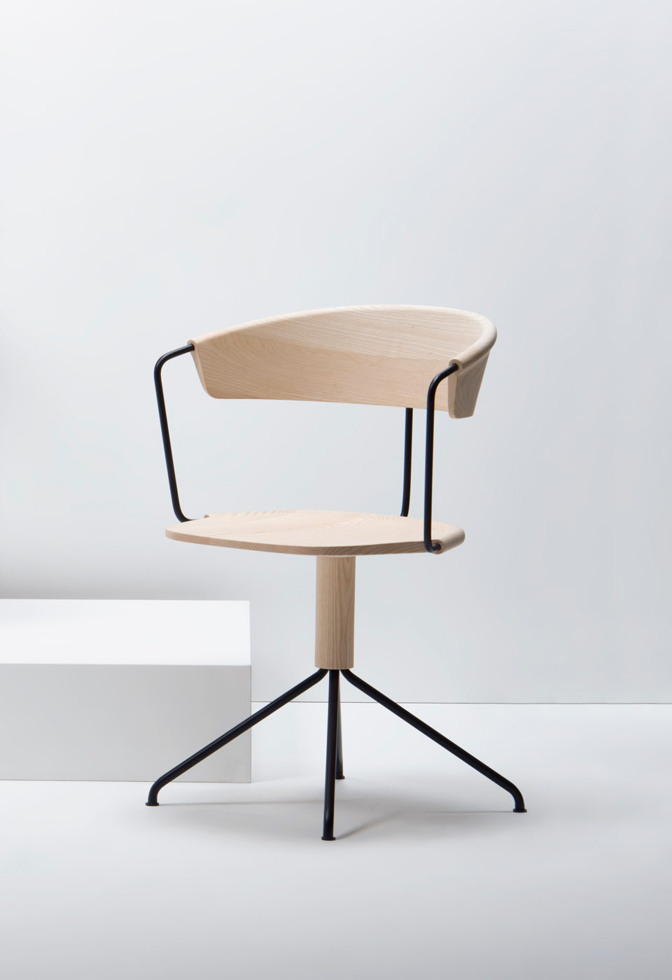 Mc9 Uncino Chair By Ronan Erwan Bouroullec For Mobilier Design Chaise Fauteuil Mobilier