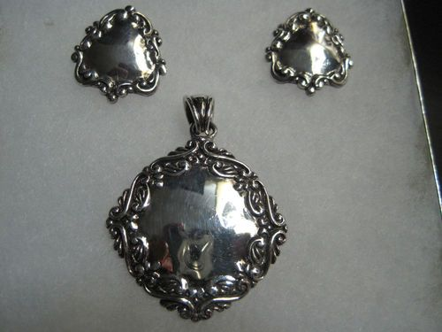 $75 RARE Find Vintage MWS Sterling Silver Repousee Pendant Earring Set   eBay