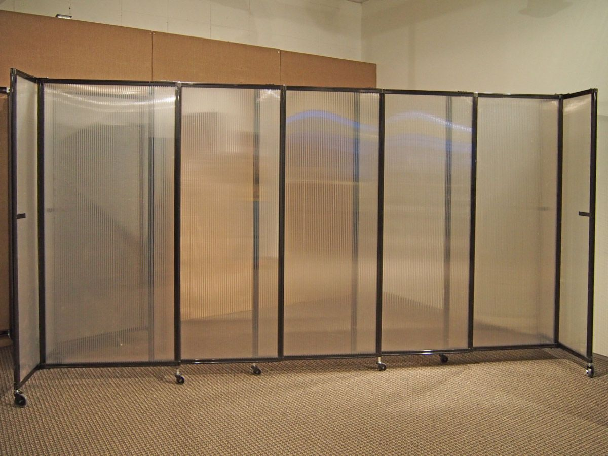 Versares Polycarbonate StraightWall is available in several colors