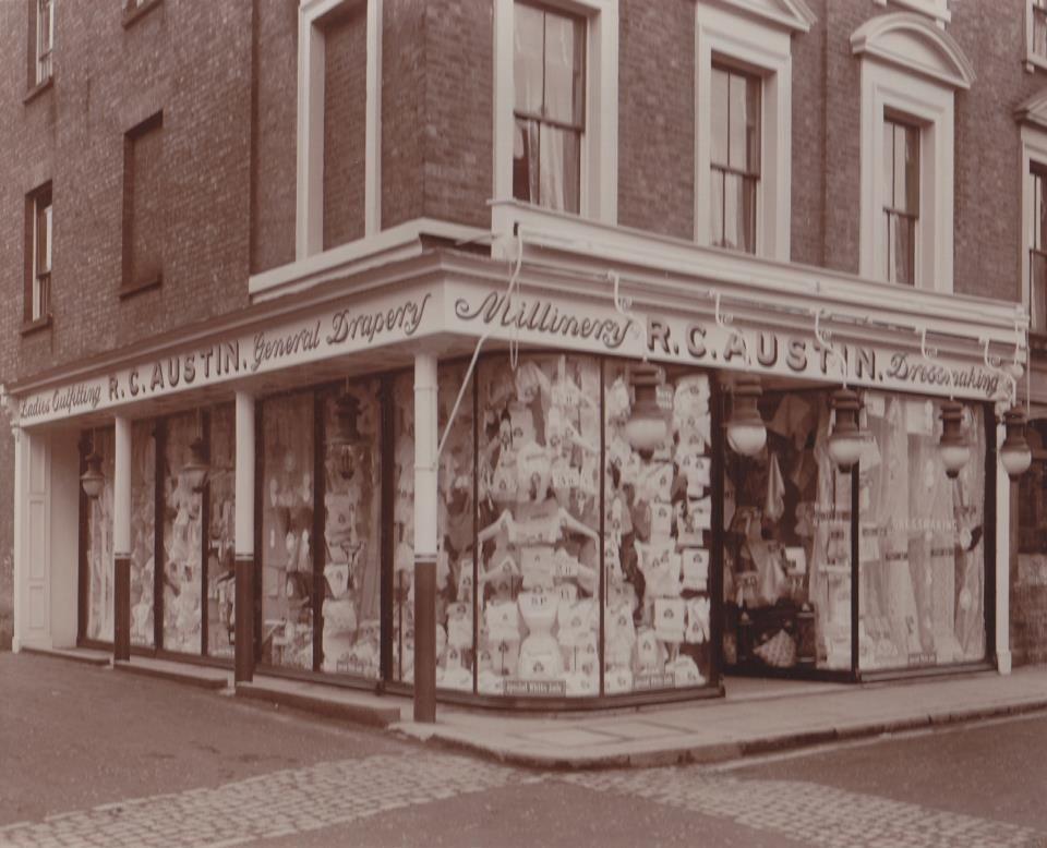 Austins Shop Front 1915 Shop Front Newton Abbot Structures