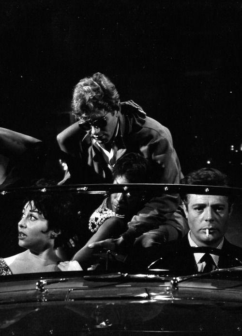 """La Dolce Vita"" (dir, Federico Fellini . !961)"
