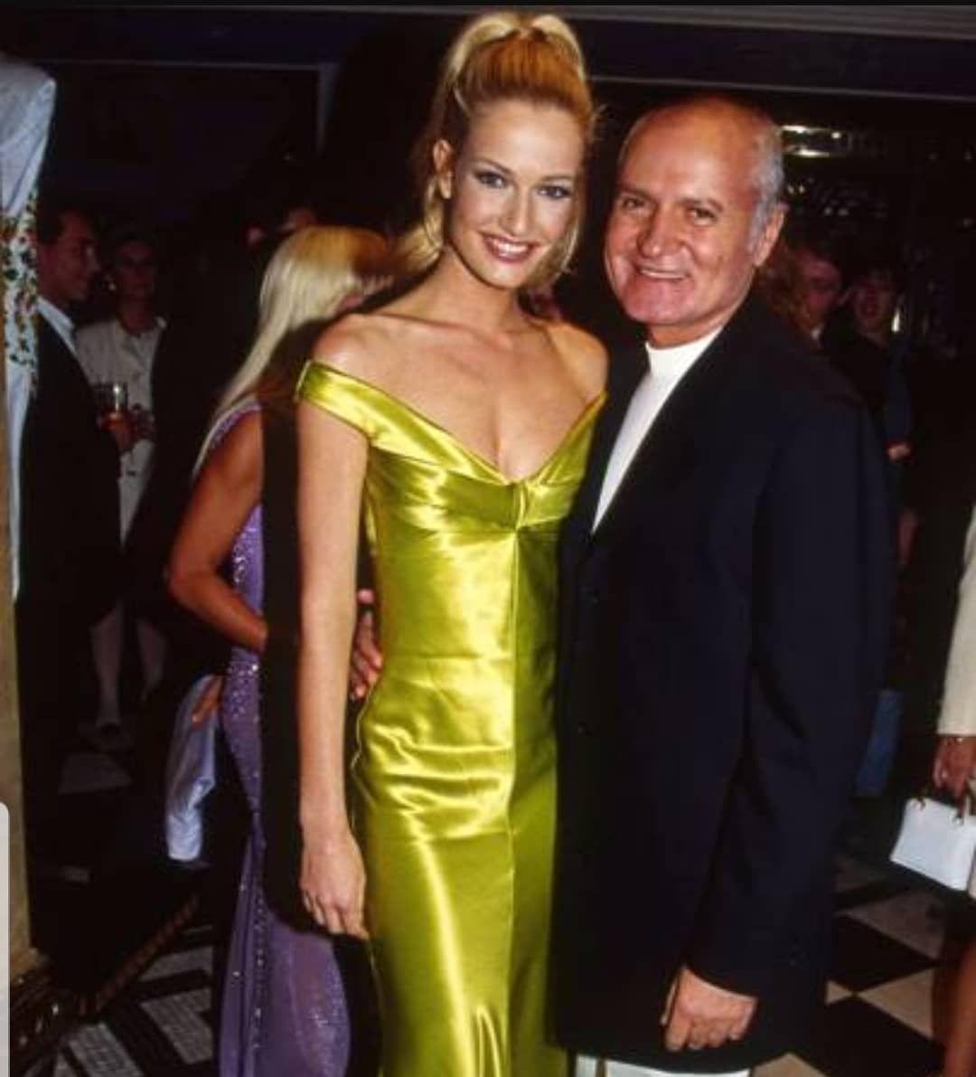 Karen And Gianni Versace Karenmulder Gianniversace Versace