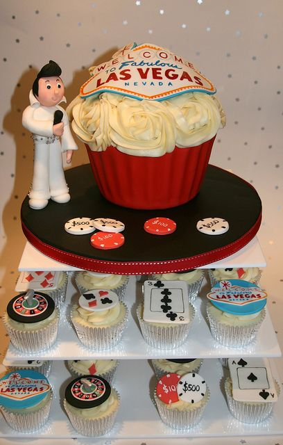 Las Vegas Themed Wedding Cupcakes Vegas themed wedding Themed
