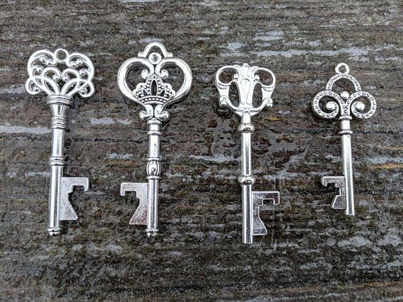 50+ Winter Wedding Favors, Assorted Silver Key Bottle