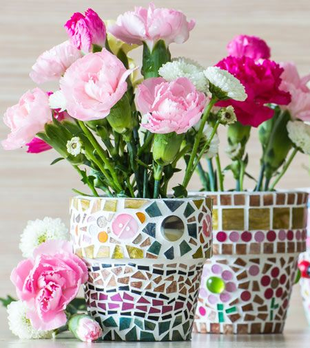 flowers in mosaic plant pots recycling garden projects. Black Bedroom Furniture Sets. Home Design Ideas