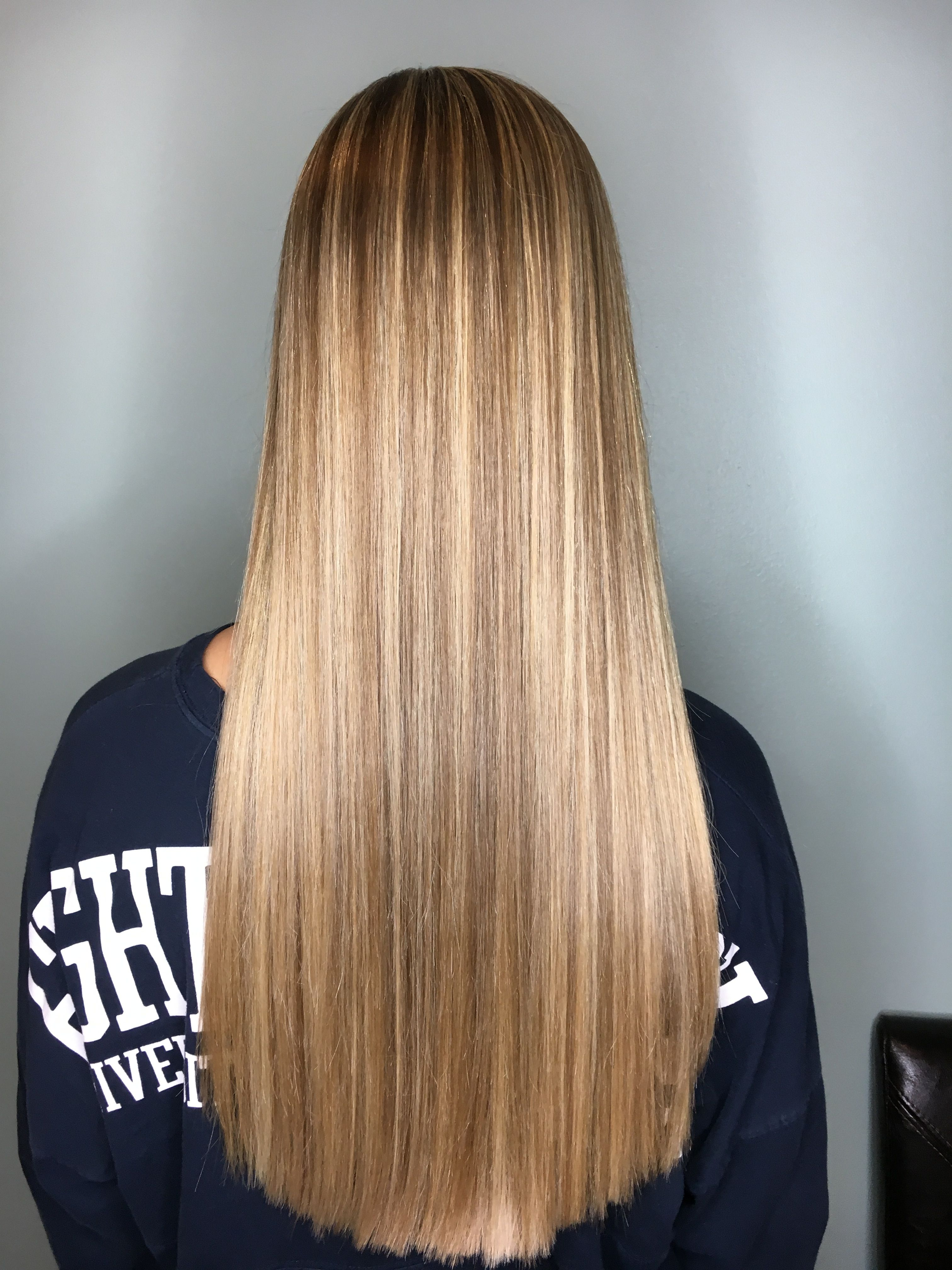 Blonde For Days Highlights Thick Hair With Several Tones S Marie5 Thick Hair Styles Long Hair Styles Balayage Straight Hair