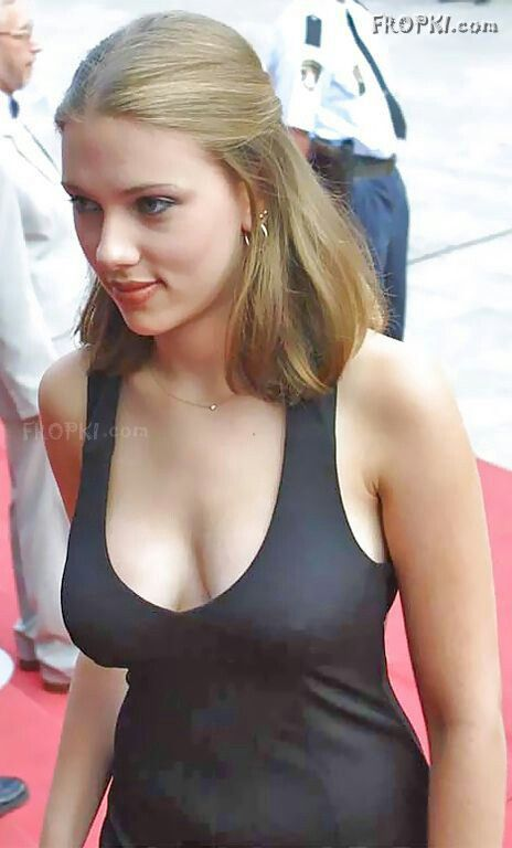 Johansson side boob trump fucking animated