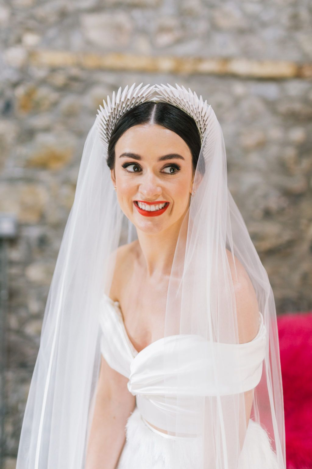 Heart-Stopping Style and Lots of LOLs at Mount Druid: Úna & Daryl #bridalheadpieces