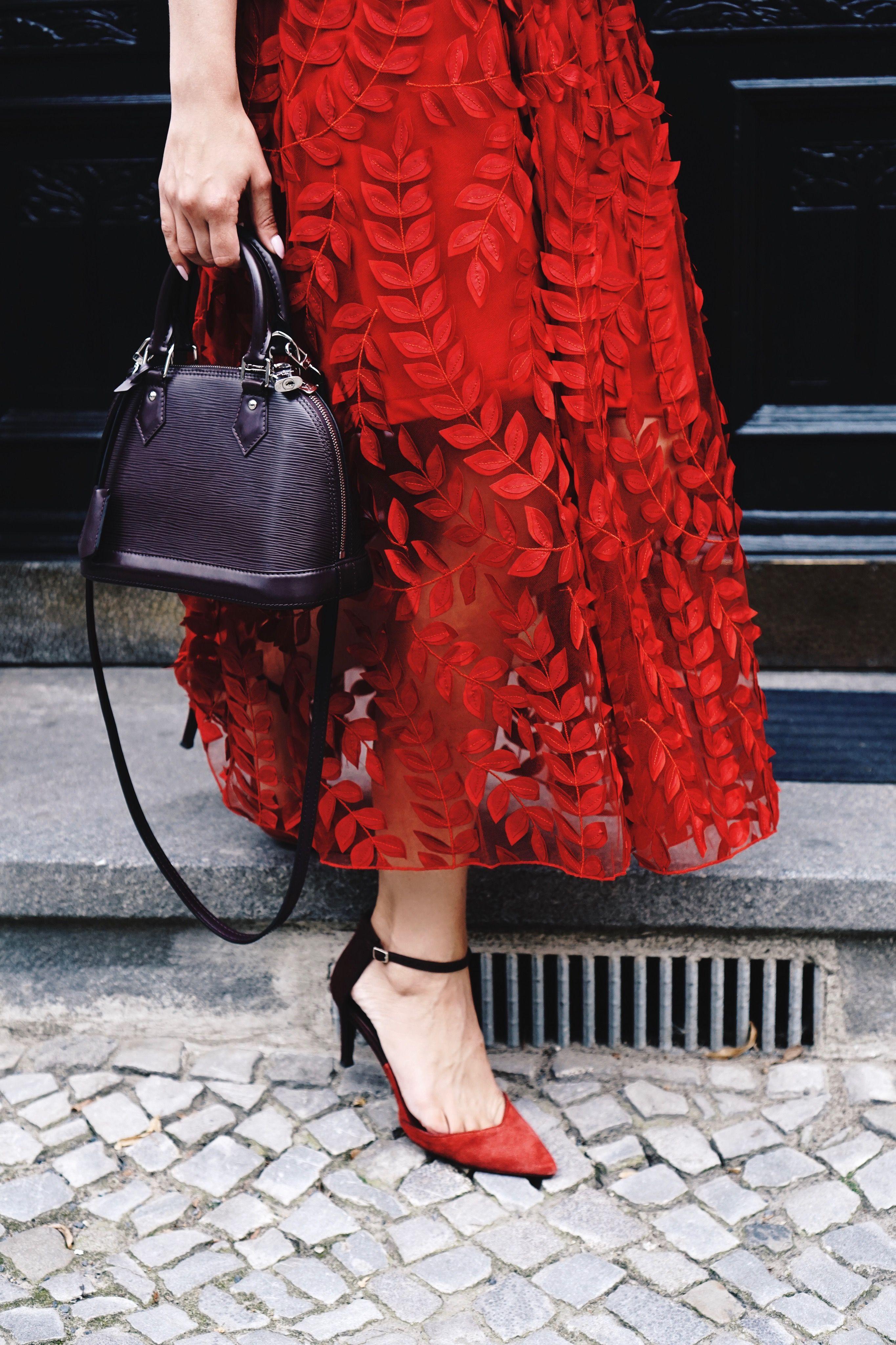 ea11bcdd28b OOTD - H&M skirt, Zara pumps, Louis Vuitton Alma bb bag. www.louisa ...