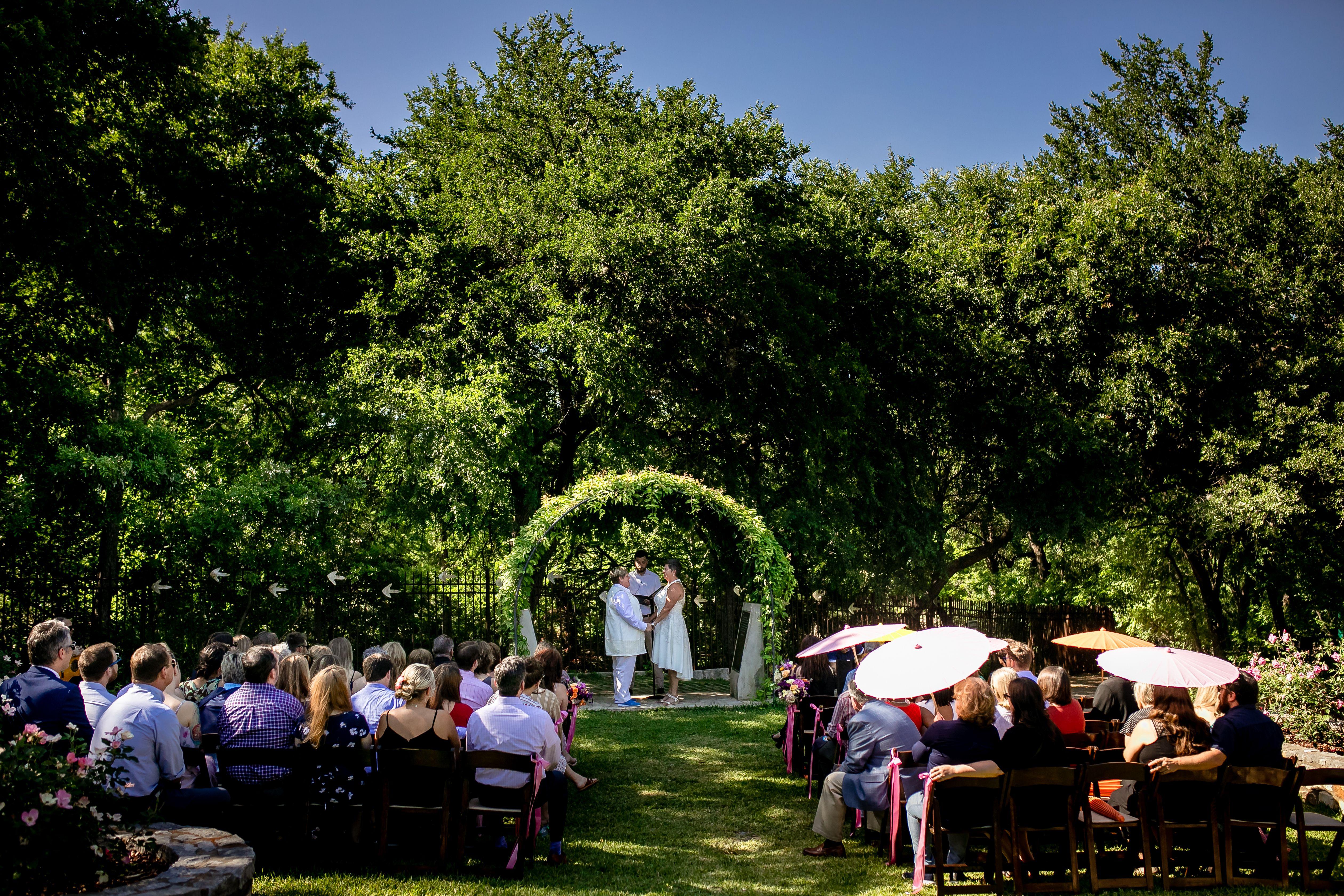 Eclipse Event Co Zilker Botanical Gardens Zilker Clubhouse Lion Golf Course Maudie S Tex In 2020 Botanical Gardens Austin Wedding Venues Garden Wedding Venue